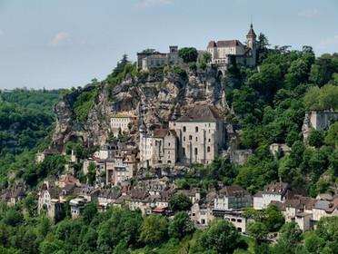 1200px-Rocamadour,_Lot,_Midi-Pyrénées,_f