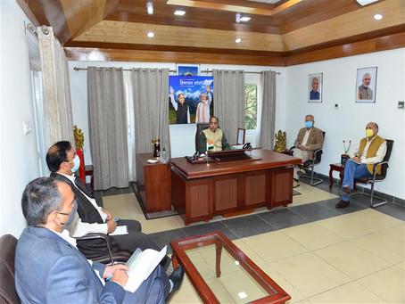 मुख्यमंत्री ने कोरोना वायरस को रोकने के लिए आयोजित समीक्षा बैठक की अध्यक्षता की