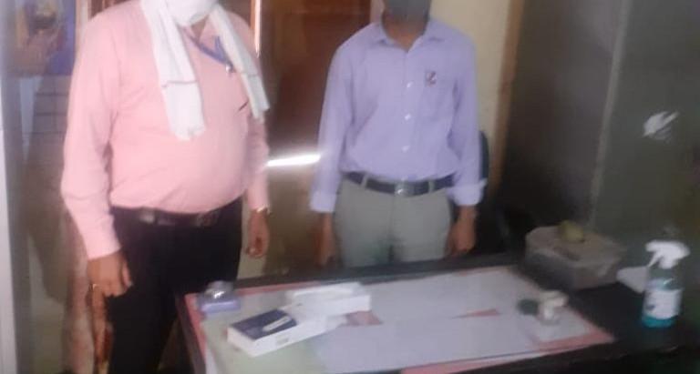 कोविड-19 के दृष्टिगत विद्यालयों का औचक निरीक्षण