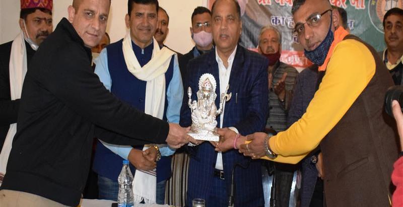 प्रदेश सरकार व्यापारियों के हितों की रक्षा के लिए कृतसंकल्पः मुख्यमंत्री