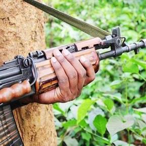 छत्तीसगढ़ के बीजापुर में नक्सलियों के बीच हुई मुठभेड़ में 23 जवान हुए शहीद