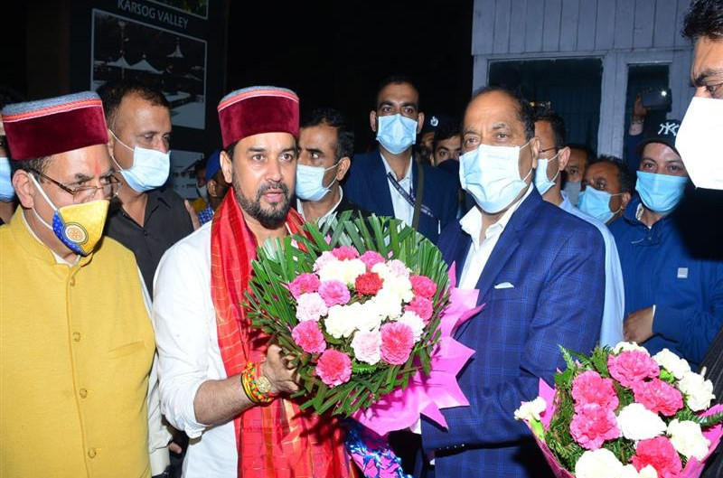 CM accords warm welcome to Union Minister Anurag Singh Thakur
