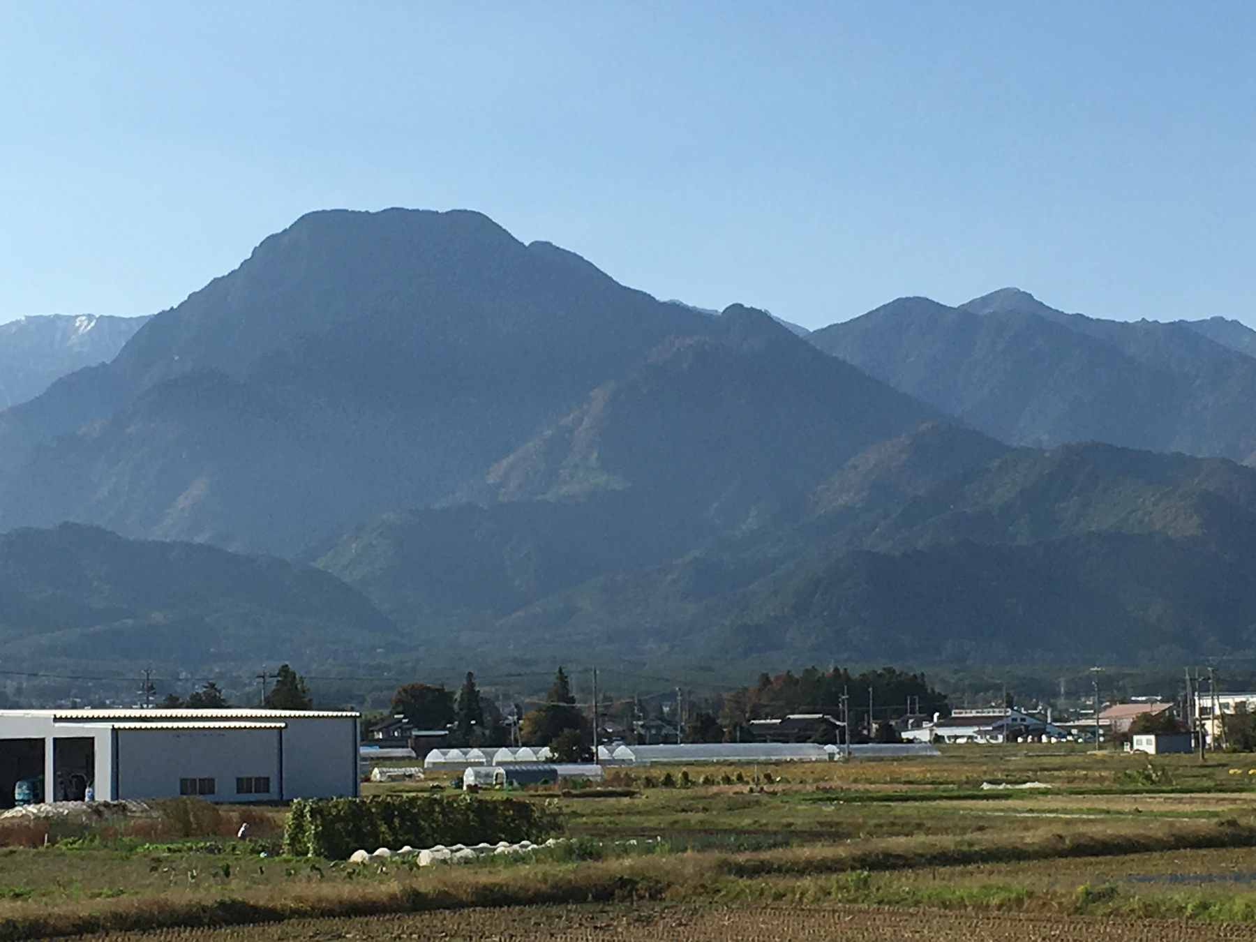 秋の安曇野 有明山
