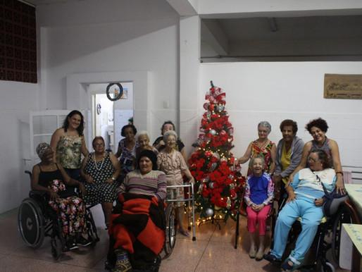Nossa Árvore de Natal é Casa Maia