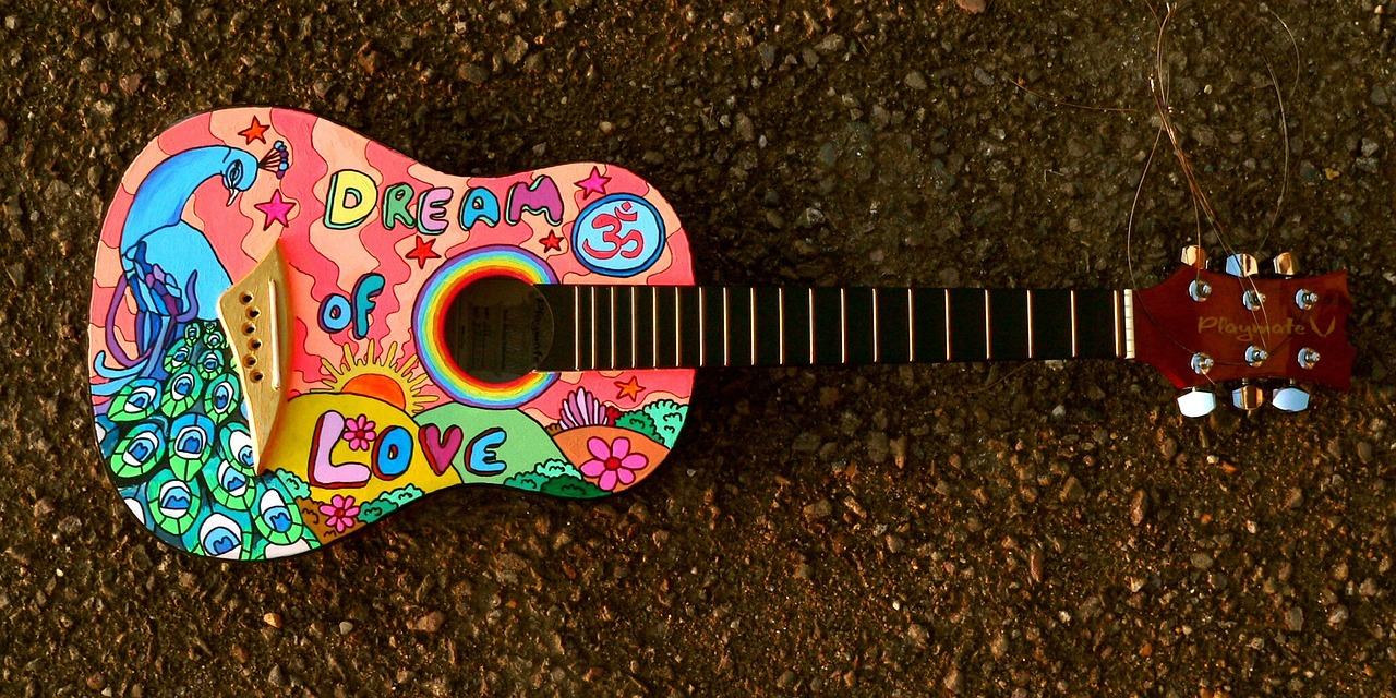 painted-guitar-1087209_1280