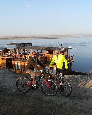JTI adventure rudra singha houseboat.jpg