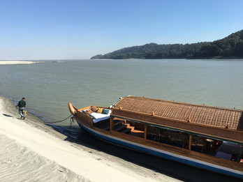 The Diphlu River Lodge country boat