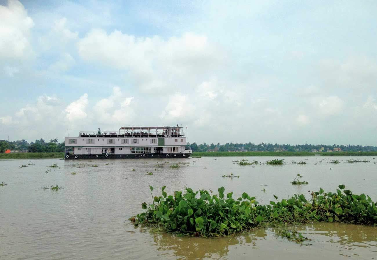 ABN Sukapha on the Ganges_resized.jpg