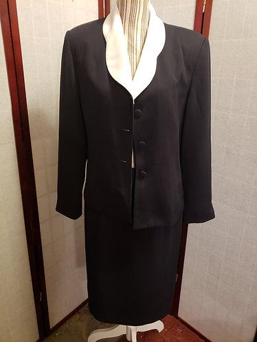 Jacqueline Ferrar Skirt Suit