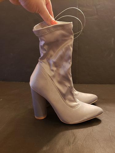Cape Robbin Boots Women's Size 6.5