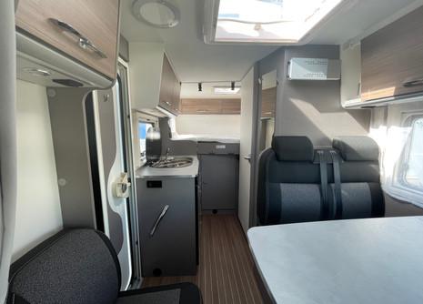 etrusco-5900db-rent-camper5jpg