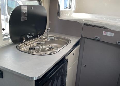 etrusco-5900db-rent-camper6jpg