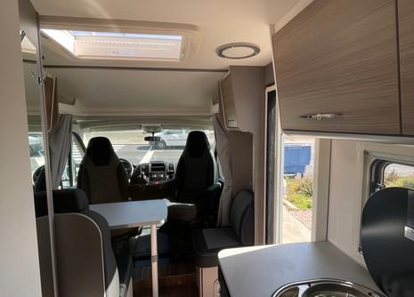 etrusco-5900db-rent-camper9jpg
