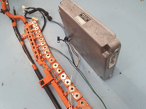 Toyota Prius Hybrid Battery Control Module 89890-47090 With Wiring Looms
