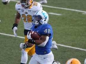 Patterson ties NCAA rushing touchdown record in win over Kent State