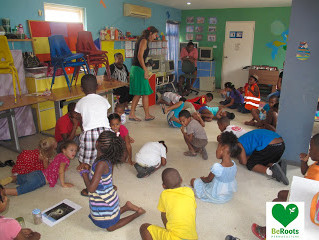 "30-07-2013 Beroots is teaching peramculture at ""Tuma Mi Man"" Daycare school."