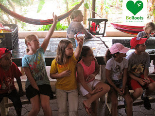 Beroots-permaculture was teaching 30 childern how to compost on Curacao