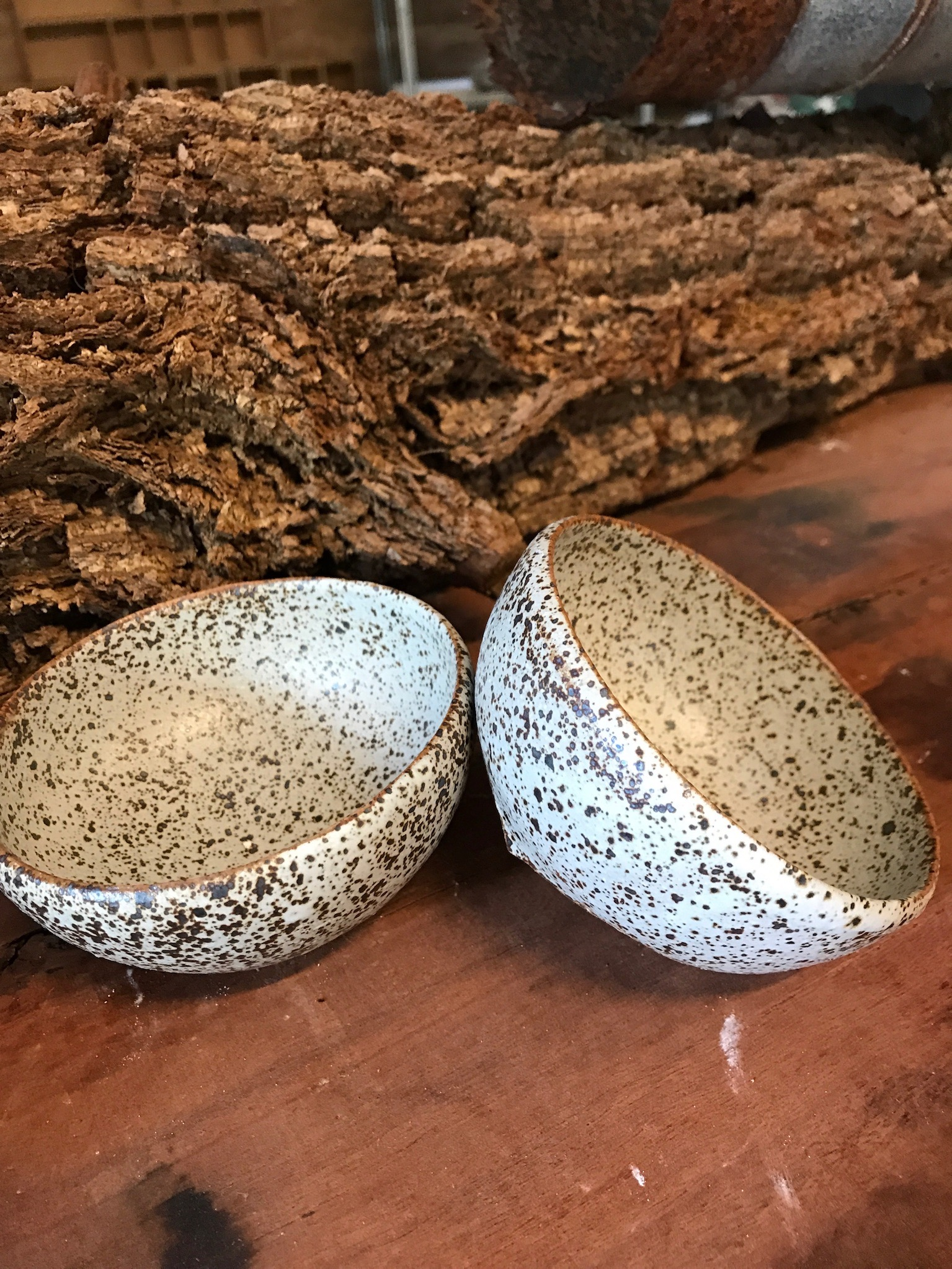 Dee's ss white bowls