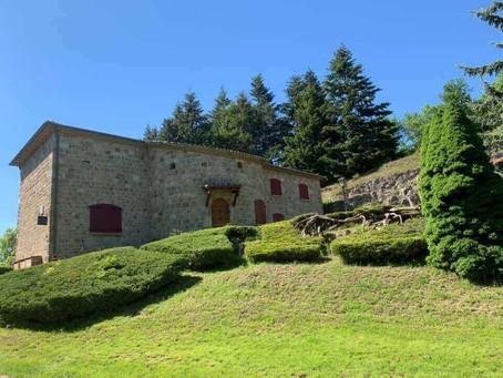 Réservez une location dans note gite en Ardèche avec Château Rousset