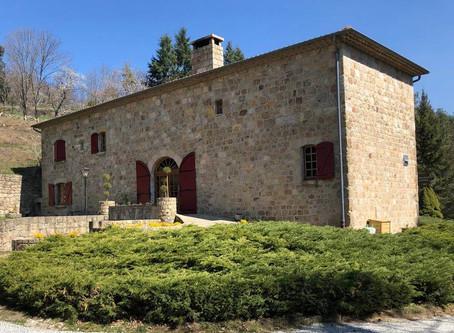 Location de gîte en Ardèche avec Château Rousset