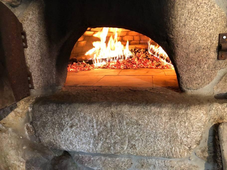 pizza-restaurant-gite-chateau-rousset-groupe
