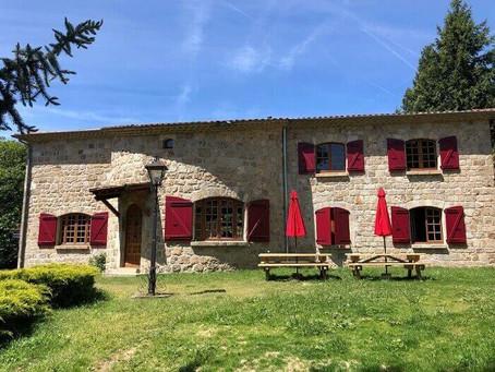 Venez découvrir le site de château Rousset, gite en Ardèche