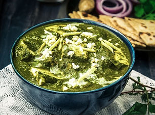 09-food-photography-of-How-To-Make-Palak
