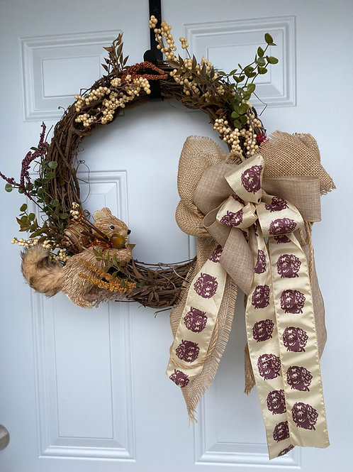 Wreath with berries and Squirrel