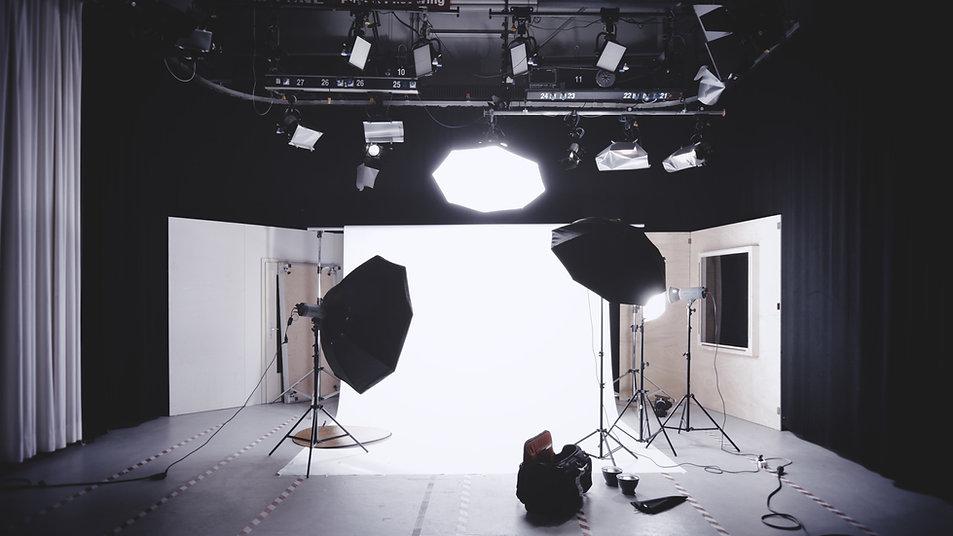 VKNG video production company / studio