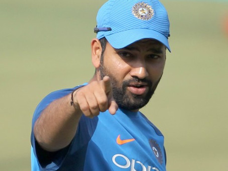रोहित ने फैंस से कहा, 'मेरे नहीं, इंडिया, इंडिया के नारे लगाओ'