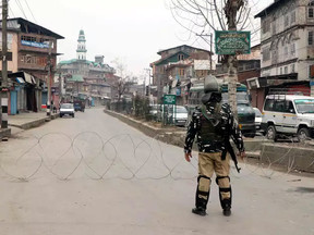 कश्मीर में 2जी इंटरनेट बंद, मकबूल भट की बरसी पर सुरक्षा कड़ी