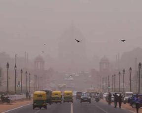 मौसम से बदहाल लोग: कहीं धूल भरी आंधी, कहीं बाढ़ से गईं जानें