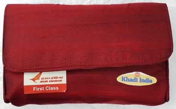 एयर इंडिया के अंतर्राष्ट्रीय यात्रियों के लिए खादी एवं ग्रामोद्योग आयोग (केवीआईसी) की सुविधा किट