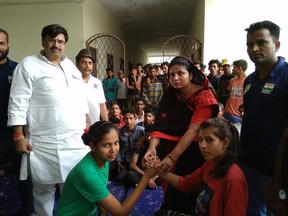 तीन दिवसीय ग्रेपलिंग कुश्ती का ब्लॉक प्रमुख ने फीता काट कर किया शुभारंभ