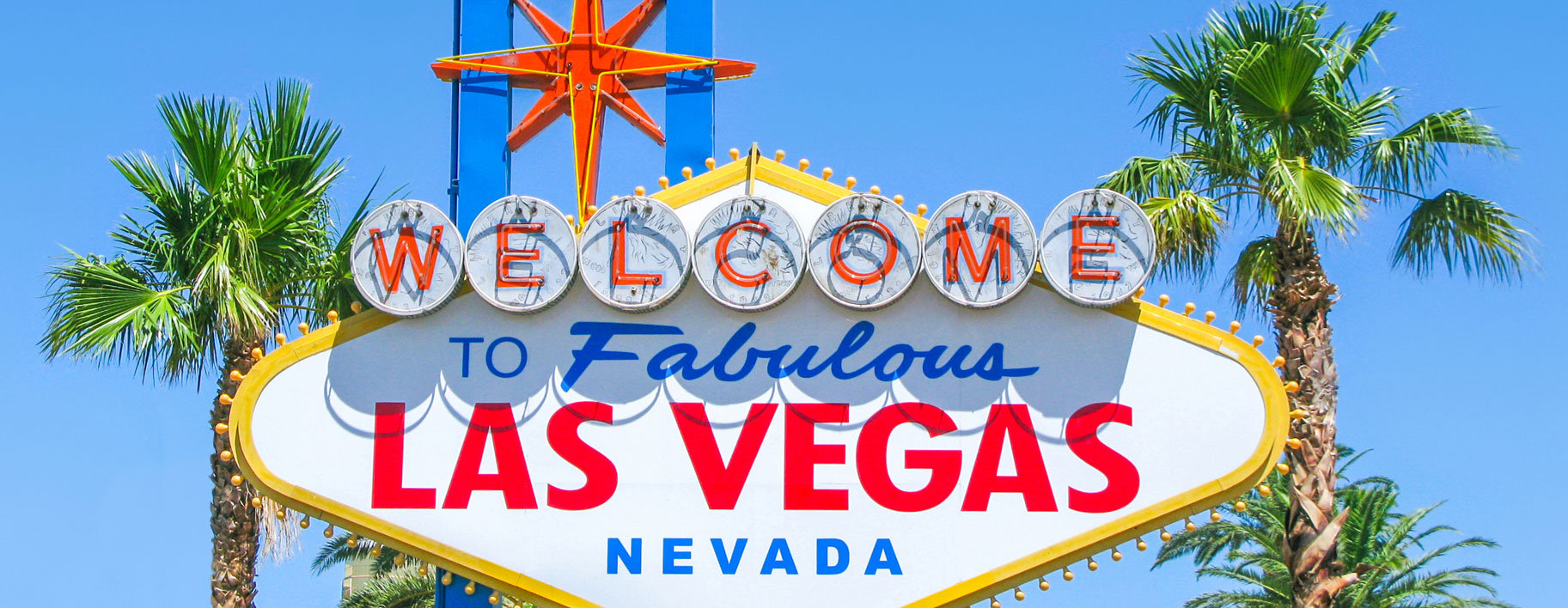 famous-las-vegas-sign-bright-sunny-day-w
