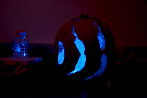 blue_lantern.jpg