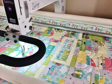 Quilt APQS longarm machine