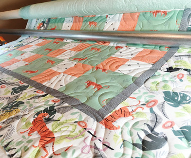 baby quilt with pantograph design