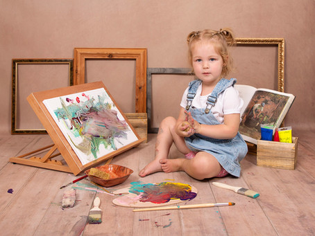 Paint Splash Photoshoots at Gemerations Photography perfect for little ones who love getting messy!