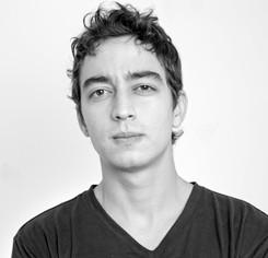 14-director_el-tama_ntilde_o-de-las-cosa