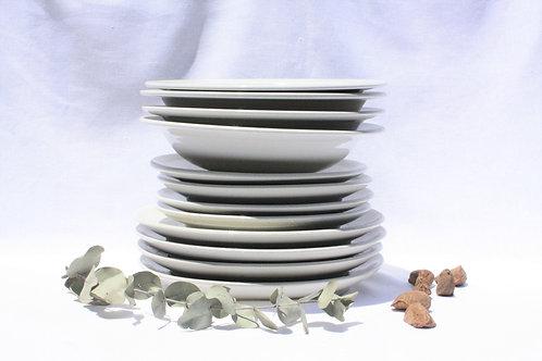 Pratos HARE #1   16 peças