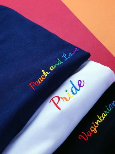 Copie de tshirt-pride-vagintarienne-peac