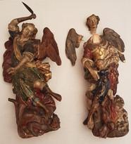 paire d'anges en bois plychromé