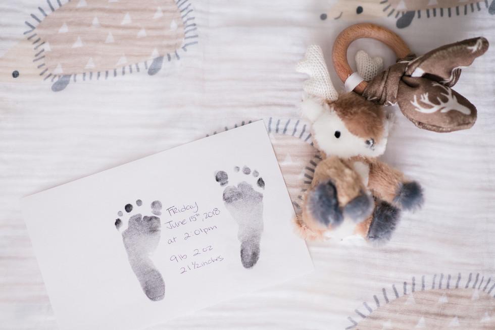 howard county-lifestyle-newborn-footprin