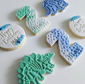 custom dinosaur cookie set.PNG