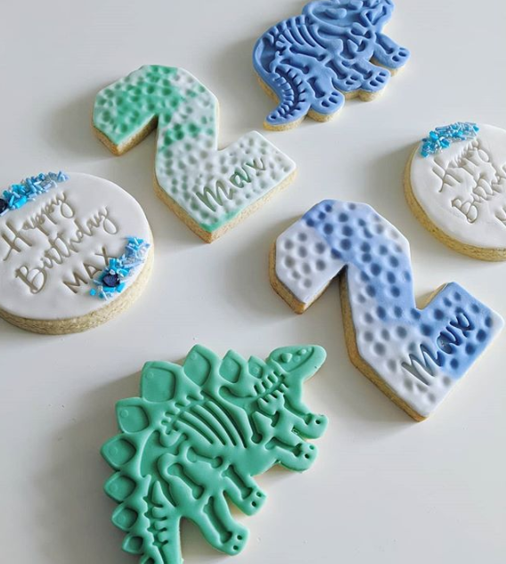 custom dinosaur cookie set.PNG