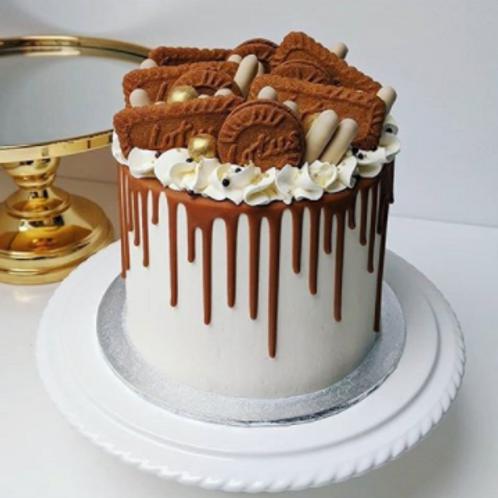 Lotus Biscoff Overload Cake