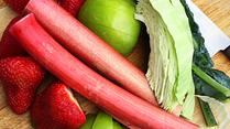 Strawberry Rhubarb Green Juice!