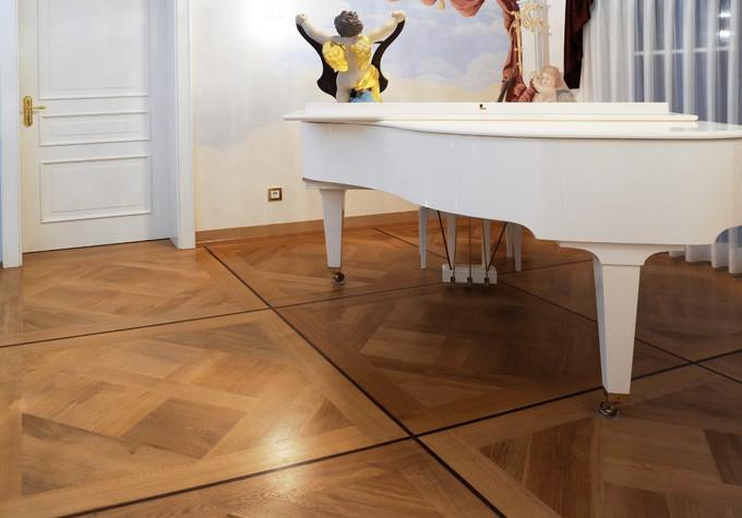 Boden mit Klavier 2 Kopie (Mittel).jpg