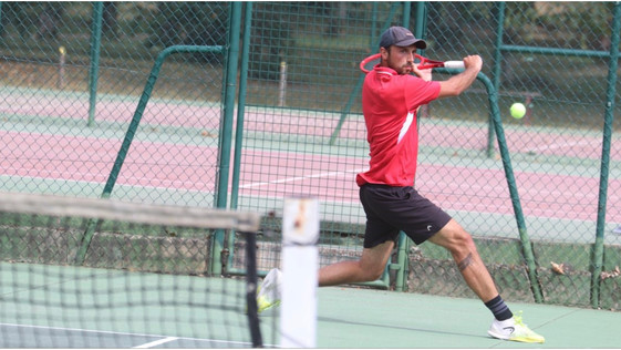 Tennis : au TC Gien, Florentin Guillemot au four et au moulin...